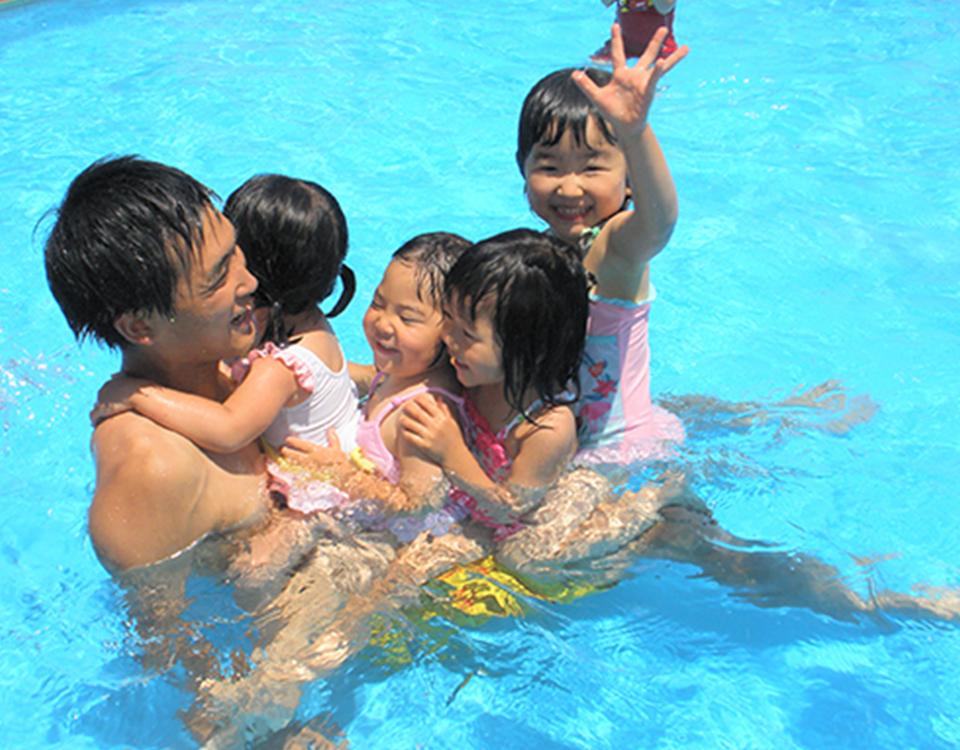 夏といったら~『みんなで屋上プールだー』